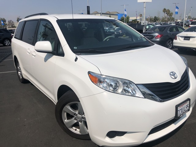 Pre Owned 2013 Toyota Sienna 5dr 7 Pass Van V6 LE AAS FWD